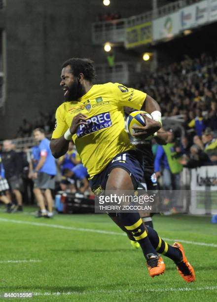 Clermont's Fijian winger Alivereti Raka scores a try during the French Top 14 rugby union match between ASM Clermont and CA Brive at Michelin stadium...