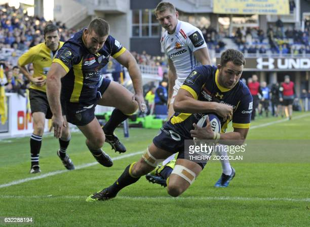 Clermont's French flanker Alexandre Lapandry scores a try during the European Champions Cup rugby union match between ASM Clermont and Exeter Chiefs...