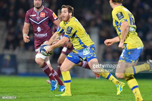 Clermont's French flyhalf Camille Lopez runs with the ball during the European Rugby Champions Cup rugby union match between Union BordeauxBegles and...