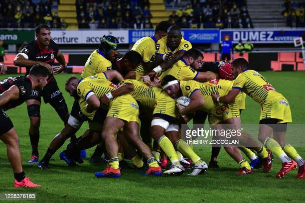 Clermont's French hooker Etienne Fourcade challenges the pack of ASM during the French rugby union match ASM Clermont vs ST Toulouse at the Michelin...