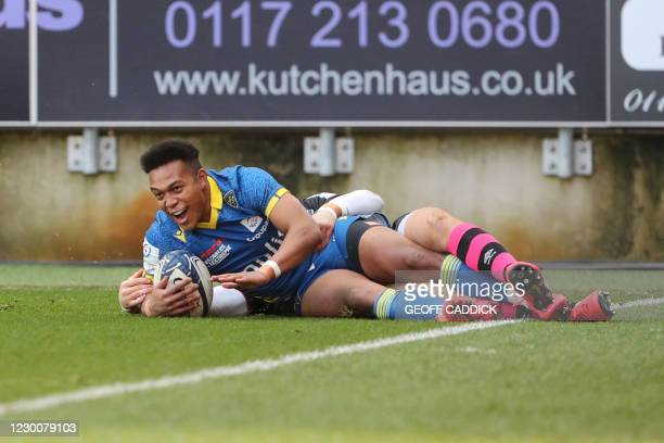 Clermont's Japanese full back Kotaro Matsushima reacts after scoring a try during the European Rugby Champions Cup rugby union Group B match between...