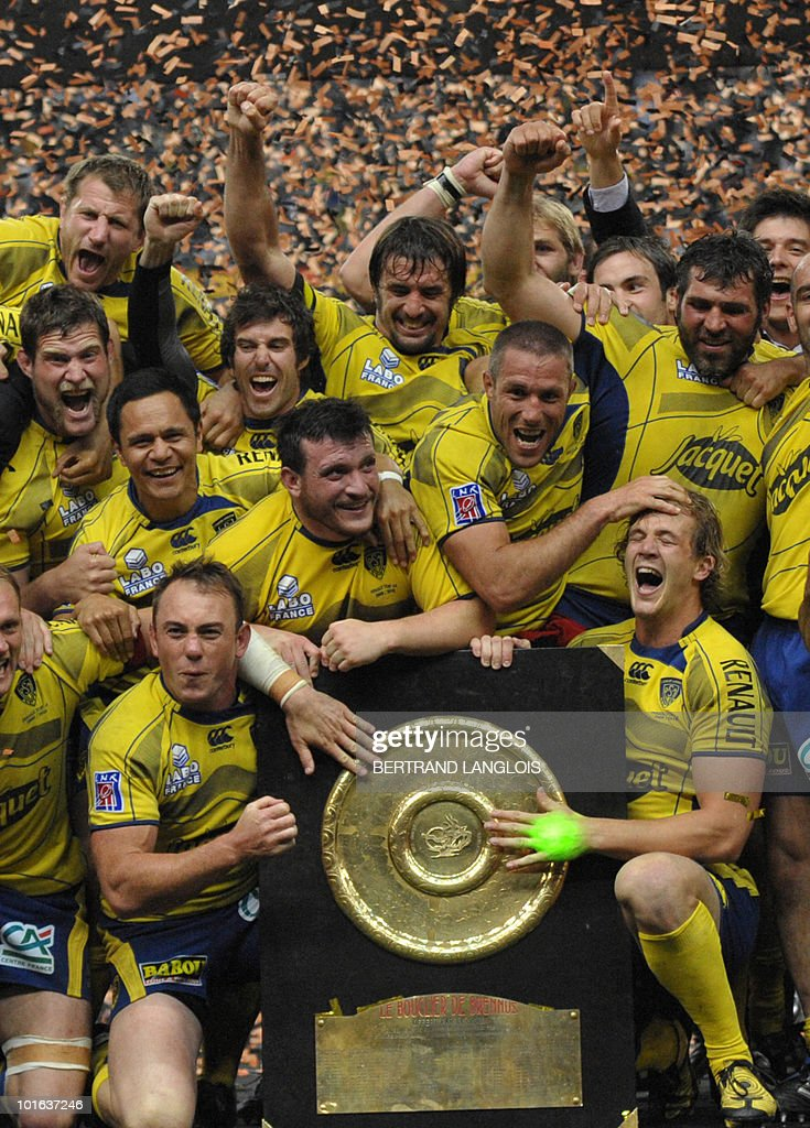 Clermont's players celebrate with the 'Bouclier de Brennus' shield after they won the French Top 14 rugby union final match Perpignan versus Clermont-Ferrand, on May 29, 2010 at the Stade de France in Saint-Denis, northern Paris. Clermont won 19-6.