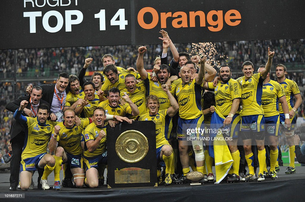 Clermont's players celebrate with the Brennus shield after winning the French Top 14 rugby union final match Perpignan versus Clermont-Ferrand, on May 29, 2010 at the Stade de France in Saint-Denis, northern Paris. Clermont won 19-6.