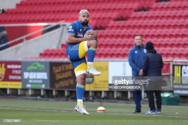 Clermont's Samoa flanker Fritz Lee warms up before the European Rugby Champions Cup rugby union Group B match between Bristol and Clermont at Ashton...