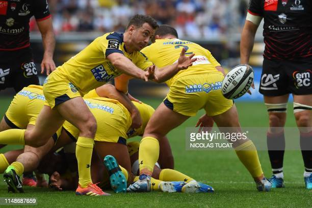 TOPSHOT Clermont's Scottish scrumhalf Greig Laidlaw passes the ball during the French Top 14 semifinal rugby union match between Clermont and Lyon on...