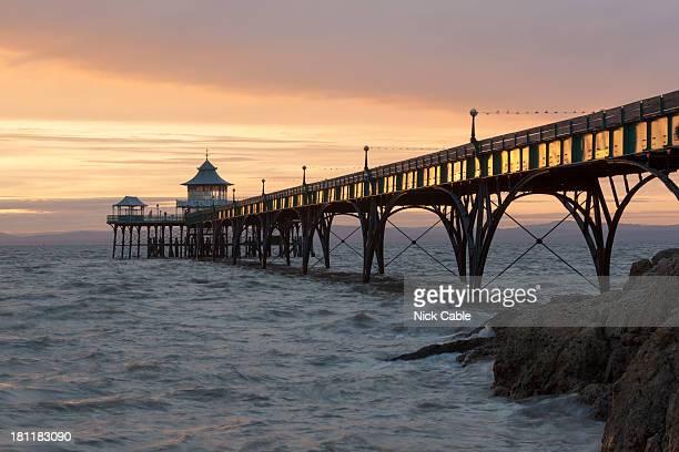 clevedon pier at sunset in somerset - clevedon pier ストックフォトと画像
