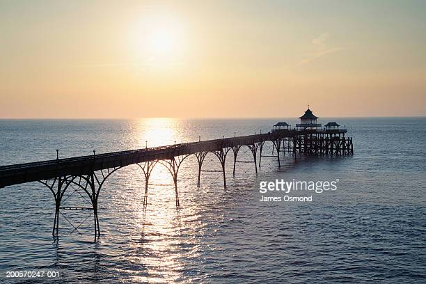 clevedon pier, somerset, england - clevedon pier ストックフォトと画像
