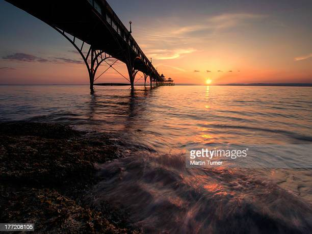 clevedon pier sunset - clevedon pier stock pictures, royalty-free photos & images