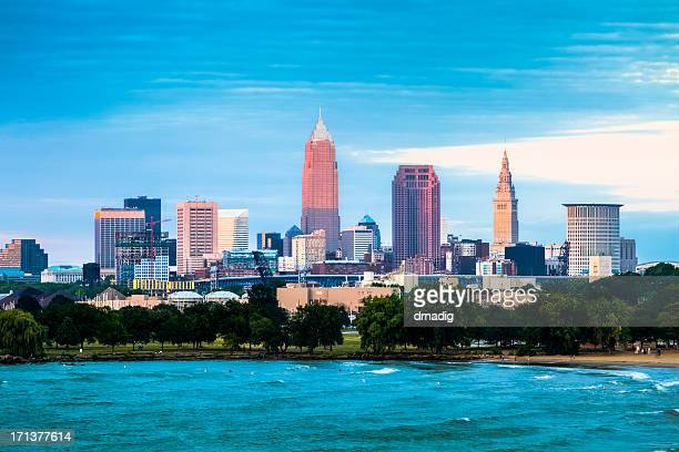 cleveland and the lake erie shore at sunset - cleveland ohio stock pictures, royalty-free photos & images