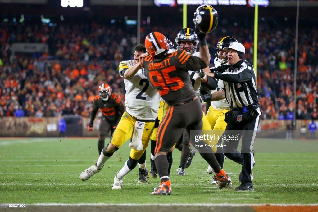 NFL: NOV 14 Steelers at Browns : News Photo