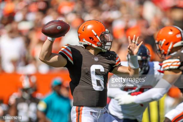 Cleveland Browns quarterback Baker Mayfield throws a pass during the second quarter of the the National Football League game between the Houston...