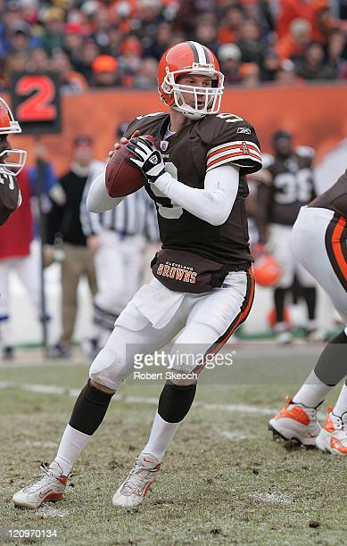 Cleveland Browns quarterback Charlie Frye lookds for a receiver during the game against the Pittsburgh Steelers at Cleveland Browns Stadium in...