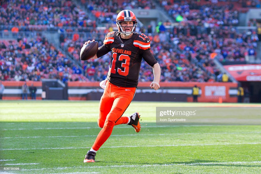 NFL: NOV 27 Giants at Browns : News Photo