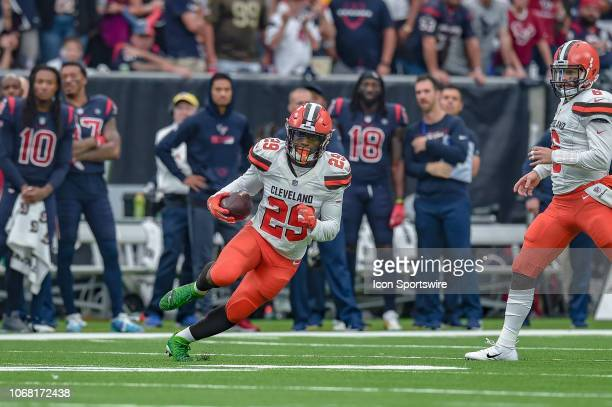 Cleveland Browns running back Duke Johnson makes a cut during the football game between the Cleveland Browns and Houston Texans on December 2 2018 at...