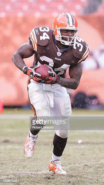 Cleveland Browns runningback Reuben Droughns rushed for 88 yards during the game and became the first Brown since 1985 to have over 1000 yards on the...