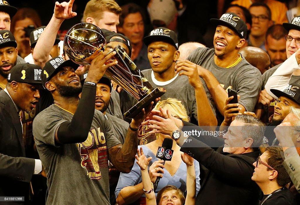 TOPSHOT-BKN-NBA-FINALS-CAVALIERS-WARRIORS-GAME 7 : News Photo