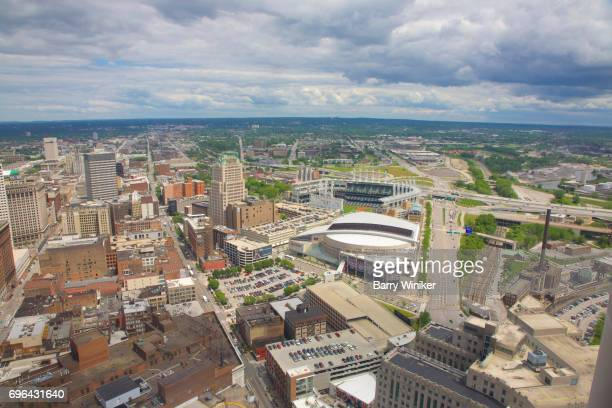 cleveland city view with baseball and basketball stadiums - cleveland ohio stock-fotos und bilder