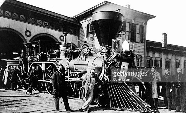 Cleveland Columbus Cincinnati Railroad engine with a portrait of Abraham Lincoln mounted on the front 1862 The engine was one of several used to...
