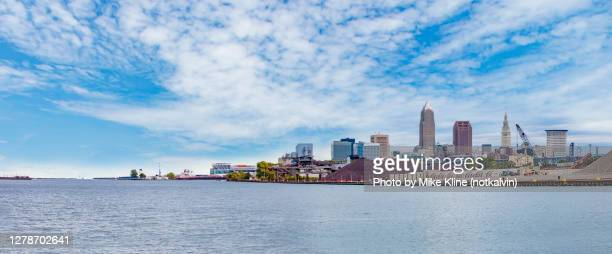 cleveland from edgewater park - cleveland ohio stock pictures, royalty-free photos & images