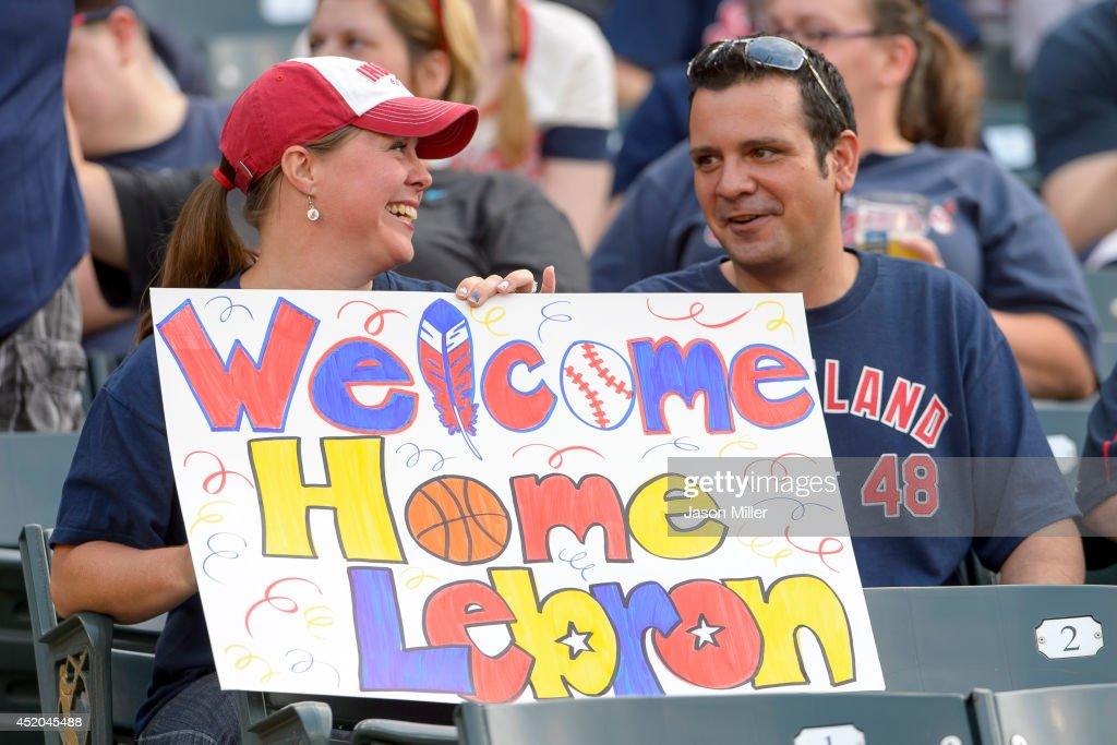 Chicago White Sox v Cleveland Indians : News Photo