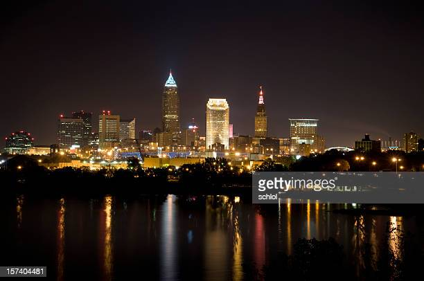 cleveland, ohio skyline - cleveland ohio stock photos and pictures