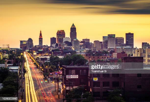 cleveland skyline - ohio stock pictures, royalty-free photos & images