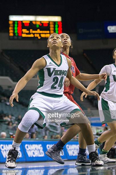 Cleveland State Vikings G Alexis Eckles and UIC Flames G/F Taylor Toney look for a rebound during the third quarter of the NCAA Women's Basketball...