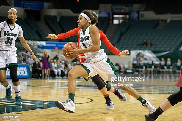 Cleveland State Vikings G Chrishna Butler drives to the basket during the first quarter of the NCAA Women's Basketball game between the Youngstown...