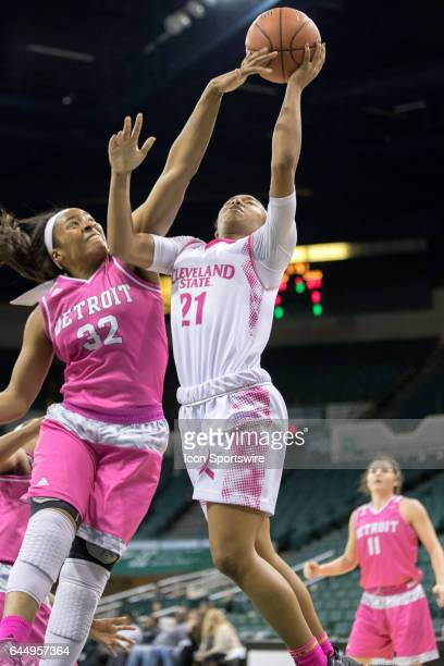 Cleveland State Vikings G Jade Ely shoots as Detroit Titans F Kelsey Mitchell defends during the second quarter of the women's college basketball...