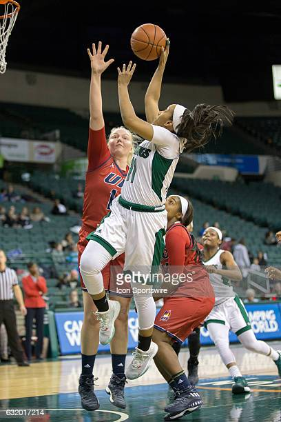 Cleveland State Vikings G Khayla Livingston shoots as UIC Flames F Tyra CarlstenHandberg defends during the first quarter of the NCAA Women's...