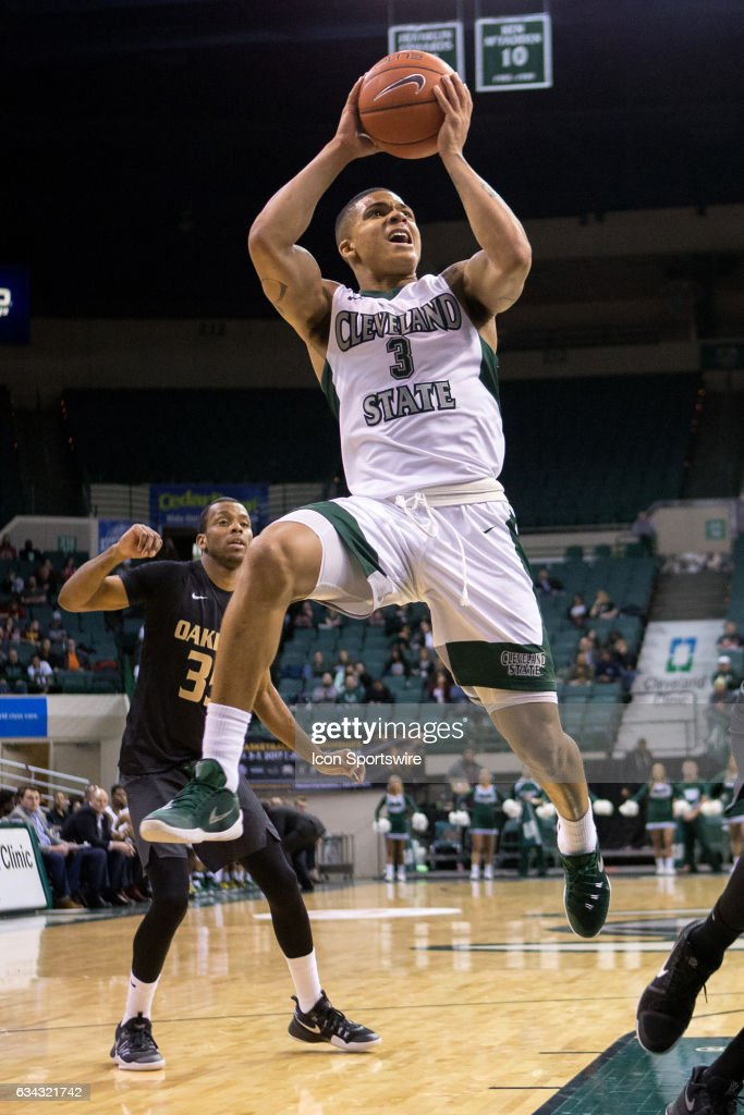Cleveland State Vikings G Rob Edwards (3) shoots during the first half of the men's college basketball game between the Oakland Grizzlies and Cleveland State Vikings on February 4, 2017, at the Wolstein Center in Cleveland, OH. Oakland defeated Cleveland State 53-51.