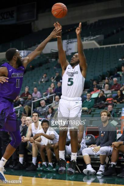Cleveland State Vikings guard Rashad Williams shoots a 3point shot as Niagara Purple Eagles forward Marvin Prochet defends during the second half of...