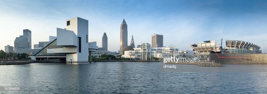 Cleveland costa settentrionale di sul mare con Panorama di stadio e musei : Foto stock