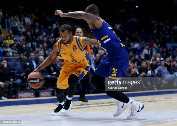Clevin Hannah #5 of Herbalife Gran Canaria competes with Dee Bost #3 of Khimki Moscow Region in action during the 2018/2019 Turkish Airlines...