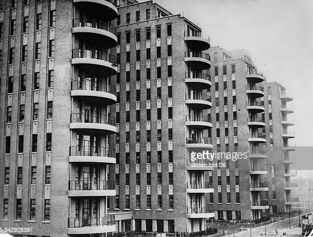 Clichy bei Paris das neue WolkenkratzerHospital Beaujon 11 Stockwerke 150m Breite die ersten neun Etagen mit Balkonen 1935 veröffentlicht in der...