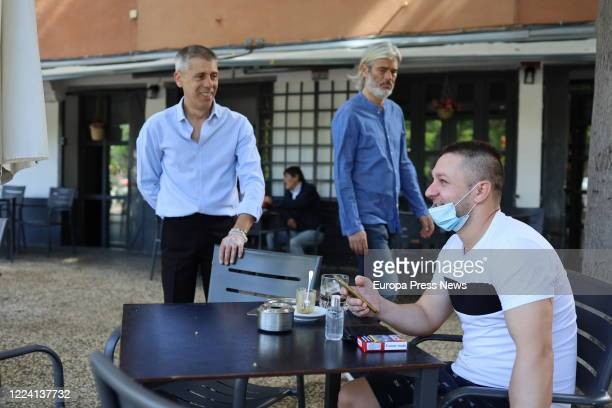 Clients are seen at a terrace in Zaragoza on the day that the Aragonese capital as well as all the region goes to Phase 1 of the reduction of the...