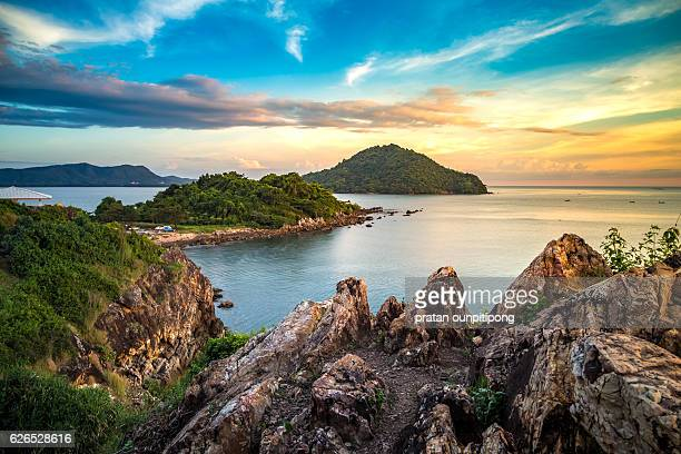 cliff and ocean - chanthaburi sea stock pictures, royalty-free photos & images