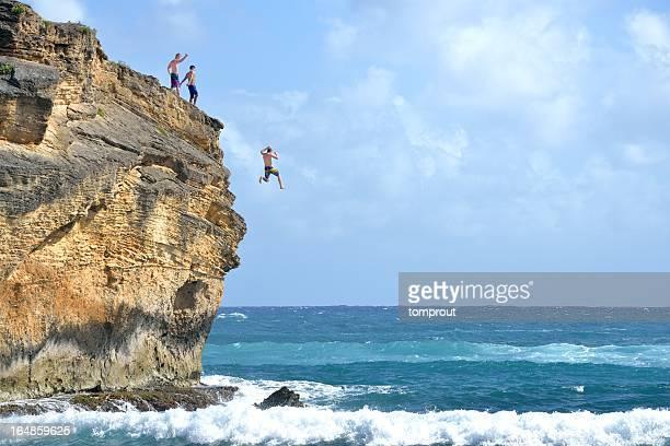 絶壁ダイビングの米国ハワイ州カウアイ島