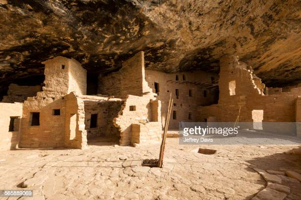 cliff dwelling ruins in rock face, mesa verde national park, colorado, united states - mesa verde national park stock pictures, royalty-free photos & images