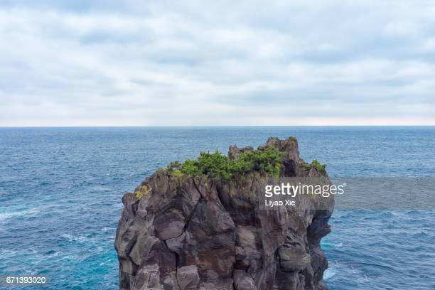 cliff - liyao xie stock pictures, royalty-free photos & images