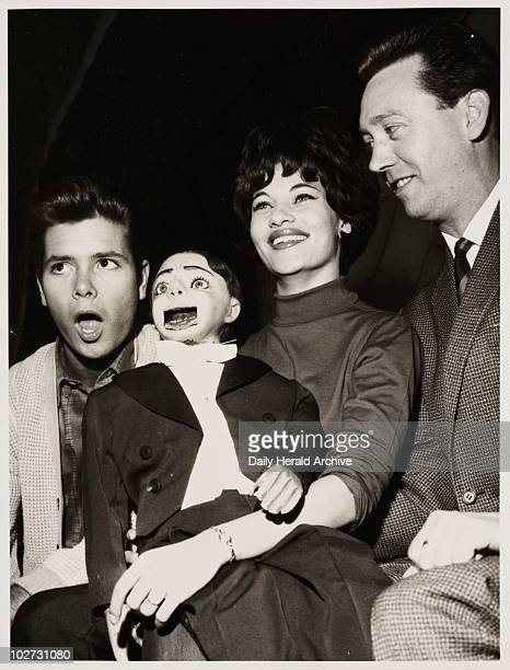 Cliff Richard Carole Gray Charlie Brown and Arthur Worsley' 1963 Cliff Richard's show Holiday Carnival