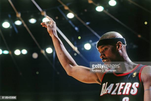 Cliff Robinson of the Portland Trail Blazers prepares for the game against the Los Angeles Lakers before Game Two of the Western Conference playoff...
