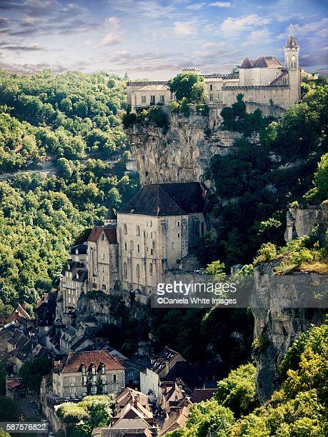 cliff top town of rocamadour in the lot region of southern france - rocamadour stock pictures, royalty-free photos & images