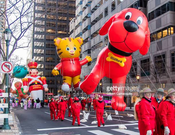 Clifford The Big Red Dog Daniel Tiger Toy Soldier Red White and Octonauts Submarine balloons during the 98th Annual 6abc/Dunkin' Donuts Thanksgiving...