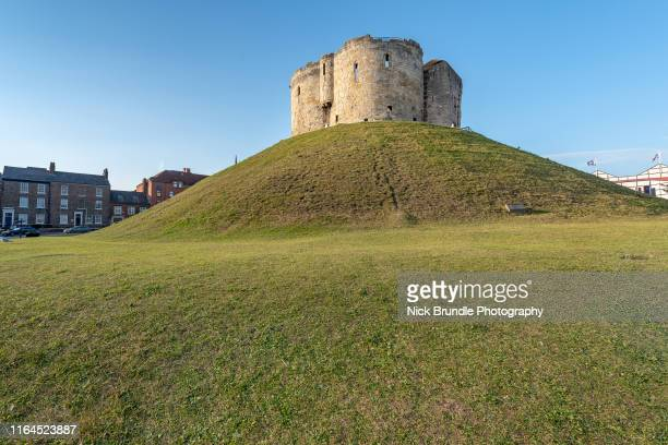 cliffords tower, york, uk - tower stock pictures, royalty-free photos & images