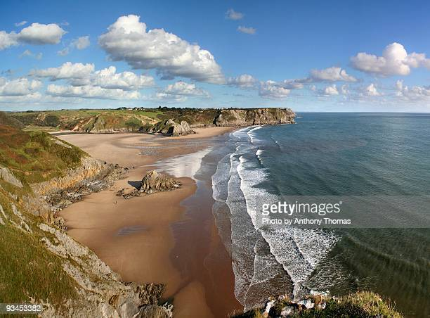 cliffs and beach - south wales stock pictures, royalty-free photos & images