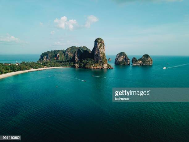 cliffs by the railay beach, krabi province, thailand - indian ocean stock pictures, royalty-free photos & images