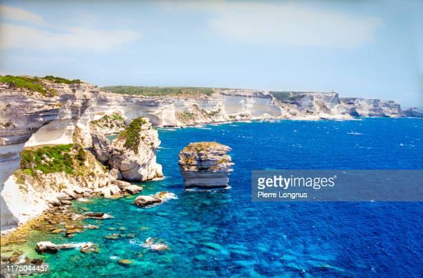 cliffs of bonifacio, corsica, france - corcega fotografías e imágenes de stock