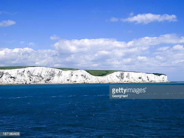 cliffs of dover - kalkstein stock-fotos und bilder