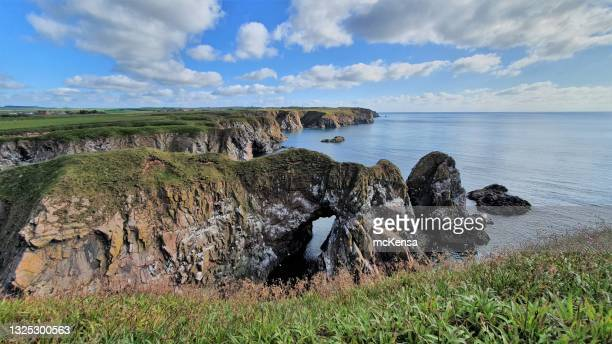 clifftops - rock stock pictures, royalty-free photos & images